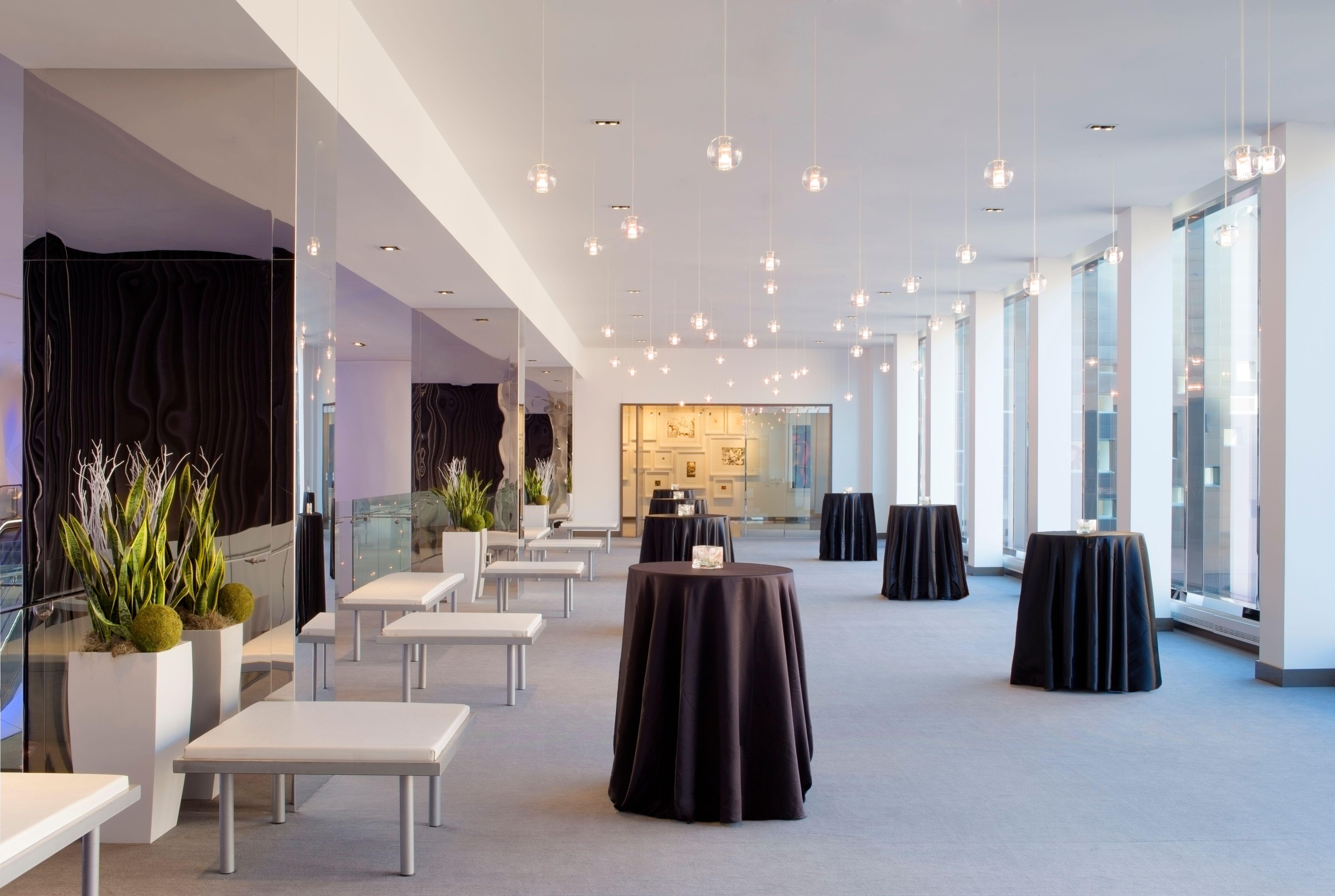 Radisson blu mall of america bloomington mn for Wedding dresses mall of america
