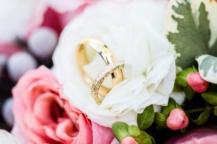 Gold Wedding Rings in Ivory Flower