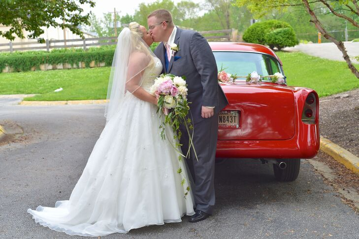 rn                                        Erika Fultz (35 and a broker associate) and Ralph Roller (34 and a county employee) had a classic wedding wi
