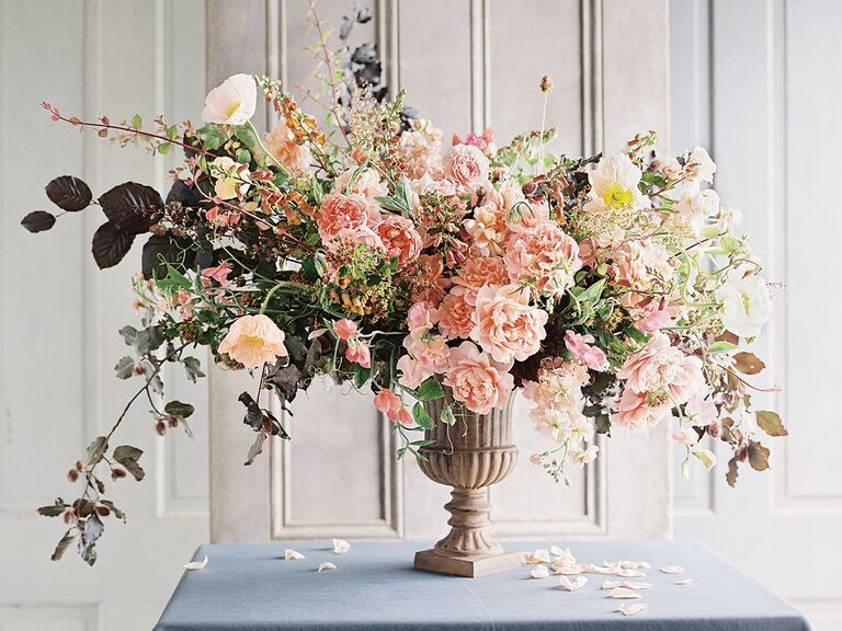 A Guide To The Best Wedding Flowers In Each Season