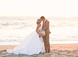 Italy meets California at this elegant villa wedding, located right along the beaches of Malibu! Since Kim Rudy (30 and a interior designer) met Massi