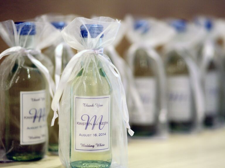 7 Wine Wedding Favors We Love