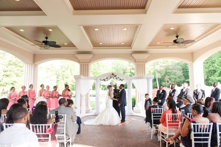 Outdoor Ceremony at Brigalias in Sicklerville, New Jersey