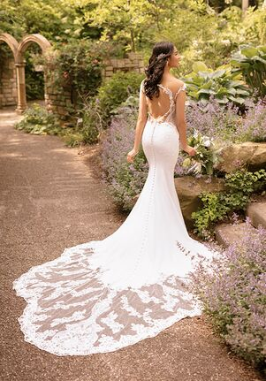 Essense of Australia D2849 Sheath Wedding Dress
