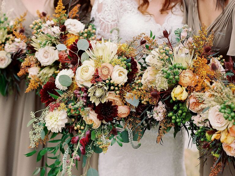 bc34b74225d Here Are 10 of the Most Popular Wedding Flowers Ever