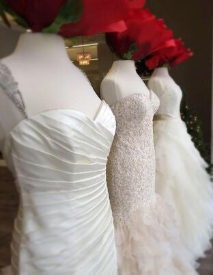 Bridal salons in des moines ia the knot for Wedding dress cleaning des moines