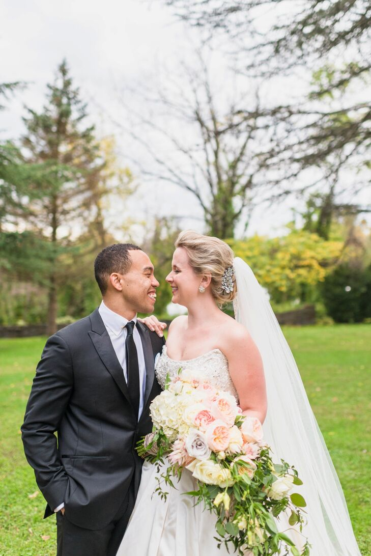 Katie Farwell (26 and an operations manager) and Joe Scott (25 and a project manager) knew they wanted their wedding in the fall