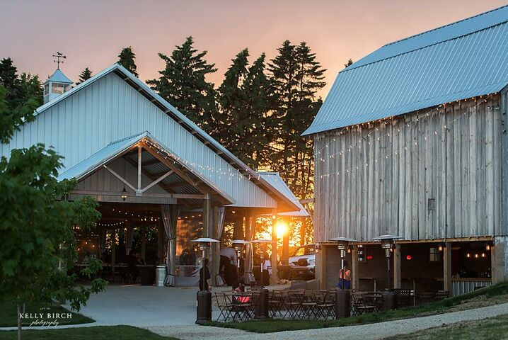 This Little Piggy Catering + Gorgeous Minnesota Barns ...