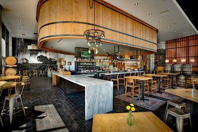 White Oak Kitchen & Cocktails