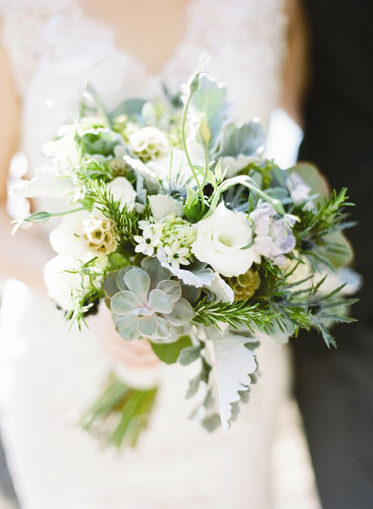 A mix of roses, rosemary, scabiosa pods and succulents made up Kennan's charming bouquet.
