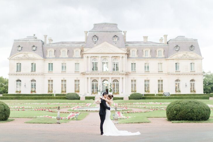 For their early fall wedding, Peiwen Chen and Thanh Tran celebrated in style, hosting a classic, romantic fete at an 18th-century castle in Montbazon,