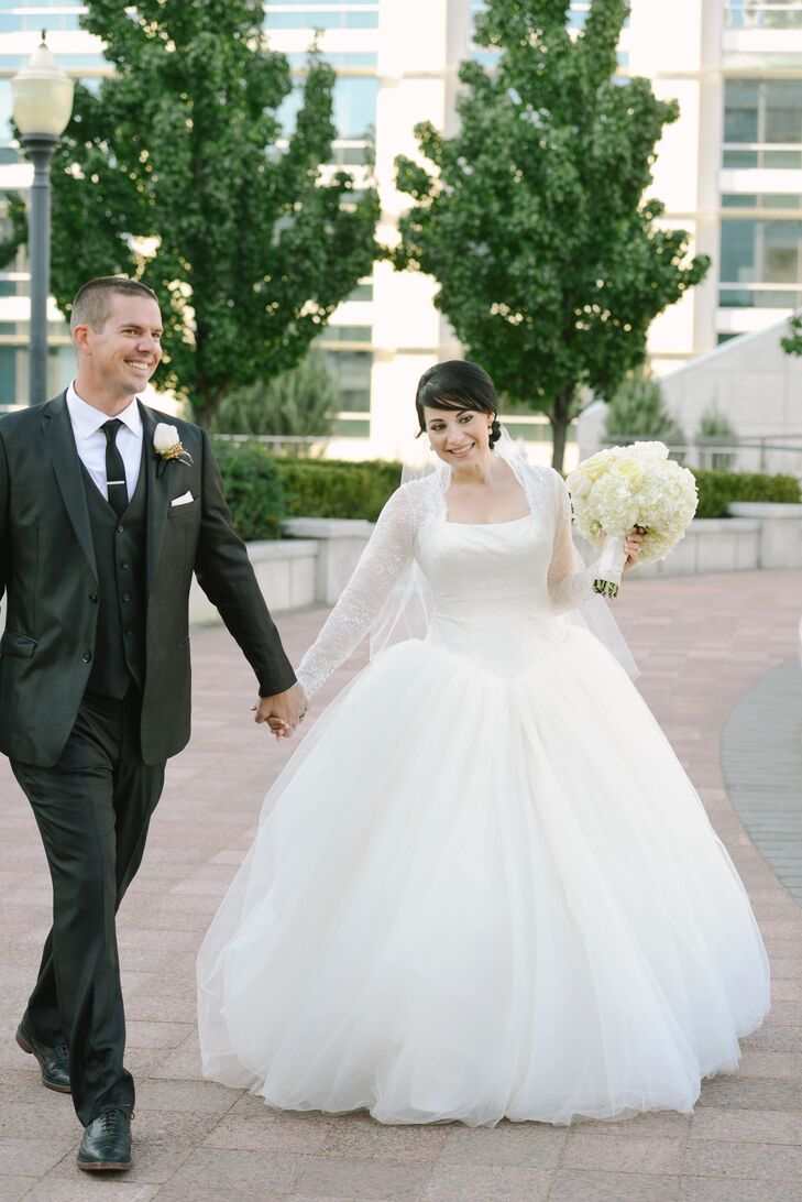 A Luxe Classic Wedding At Utah State Capitol In Salt Lake City Utah