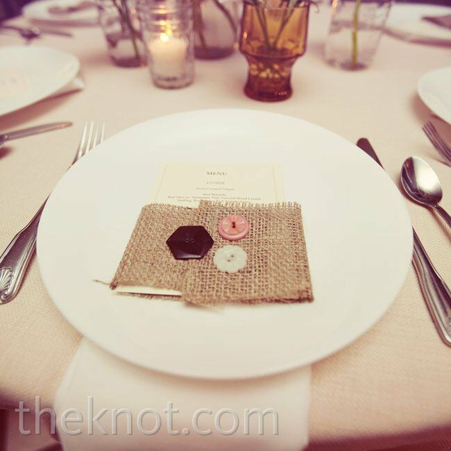 To keep the homespun theme going, the menu cards were wrapped in burlap and buttons.