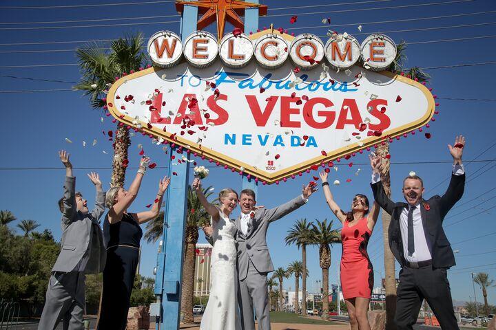 Matrimonio Simbolico Las Vegas : Chapel of the flowers las vegas nv