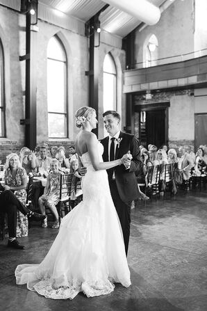 Fit-and-Flare Mermaid-Style Wedding Dress
