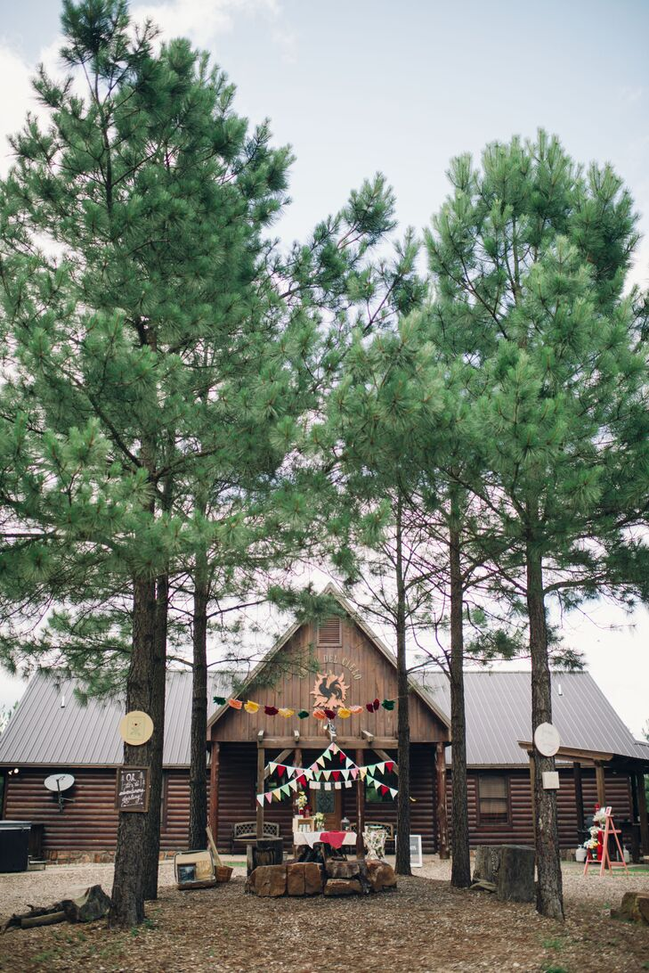 The best part about the Hidden Hills Cabins in Broken Bow, Oklahoma, was that Namia, Jared and their 12 guests could stay and relax for the weekend, surrounded by beautiful nature.