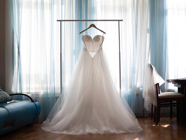 How to Store Your Dress Before the Wedding