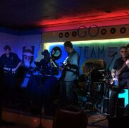 Newmarket, ON Cover Band | The Vinyl Frontier Band