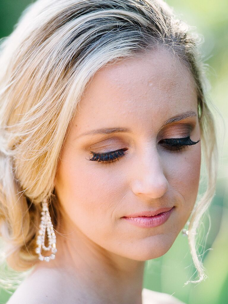 best wedding makeup for blue eyes