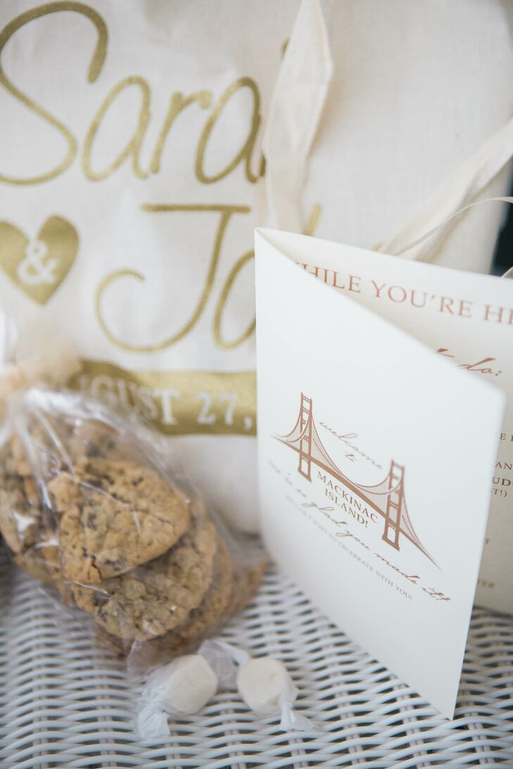 Welcome Bag with Cookies, Taffy and a Booklet