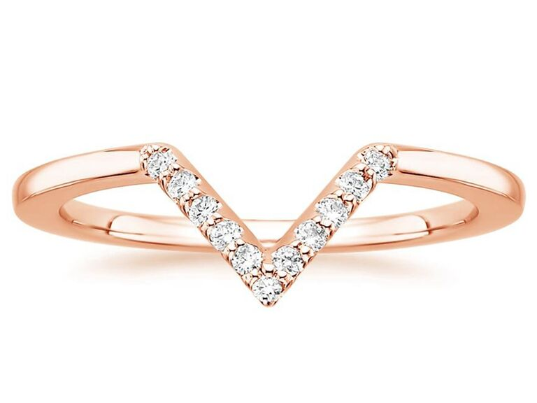 V-shaped diamond ring in rose gold