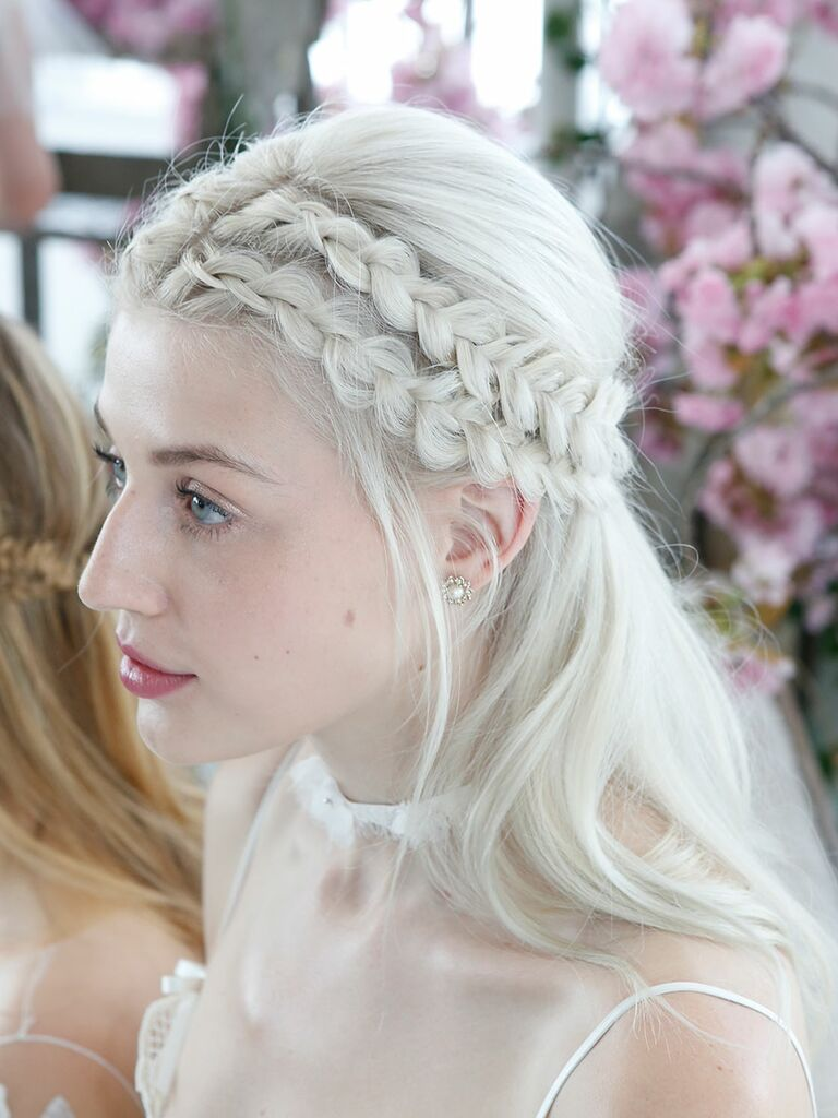 The Prettiest Hairstyles From the Bridal Fashion Week Runways