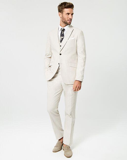 LE CHÂTEAU Wedding Boutique Tuxedos MENSWEAR_361218_053 Ivory, Champagne Tuxedo