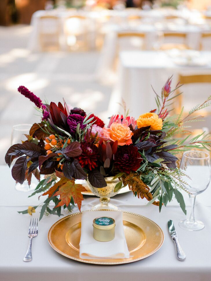 Dramatic Autumnal Centerpieces with Foliage