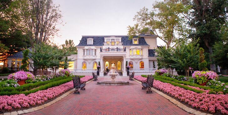 """The timeless feel of the venue set the tone for the day. """"When I walked into The Ashford Estate, I was taken by the balance of the grandeur and rustic elegance,"""" Lauren remembers."""