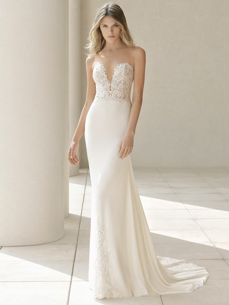Rosa Clará Fall 2018 wedding dresses gown with embroidered sweetheart bodice