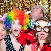 Tampa, FL Photo Booth Rental | 5 Mins of Fame Photo Booth