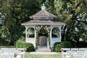 Wedding Gazebo at The Hawthorne House in Parkville, Missouri
