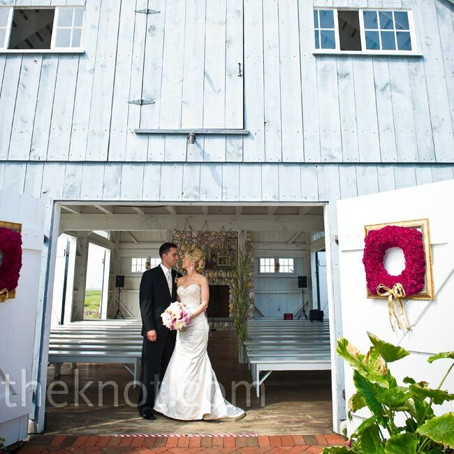 The rustic boathouse chapel ultimately sold Cara and Stephen on the venue.