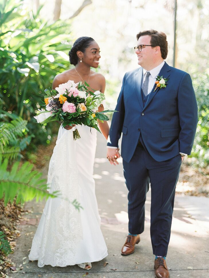 Megan and Eric capitalized on their Florida wedding locale by incorporating ample citrus elements throughout the day. From oranges accenting the coupl