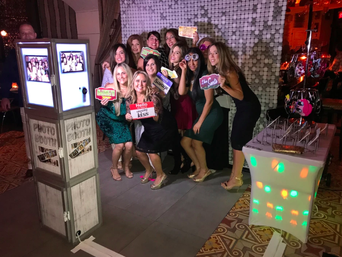 WoW Time Photo Booths - Photo Booth - Orlando, FL
