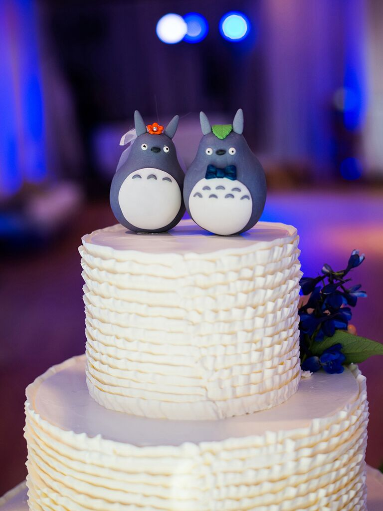 Funny cake toppers for the minimalist and lighthearted couple funny bride and groom animal wedding cake toppers junglespirit Images