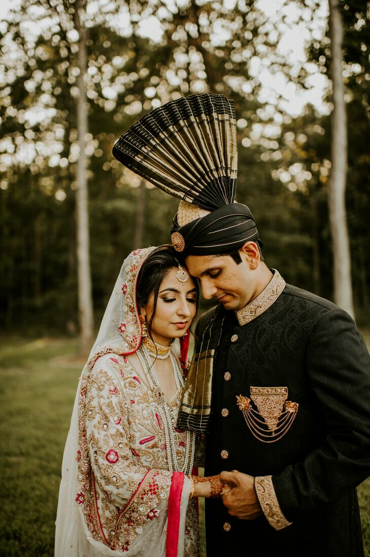 Kanwal Haq and Shiraz Bheda wanted to have a traditional Pakistani wedding weekend while also celebrating Kanwal's roots in southeast Missouri. The co