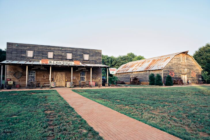 Antique Acres in Bogart, Georgia, embodied the country rustic, all-American ambience Samantha and Chris wanted for their wedding . The convenience was a plus: Their ceremony and reception took place in side-by-side buildings.