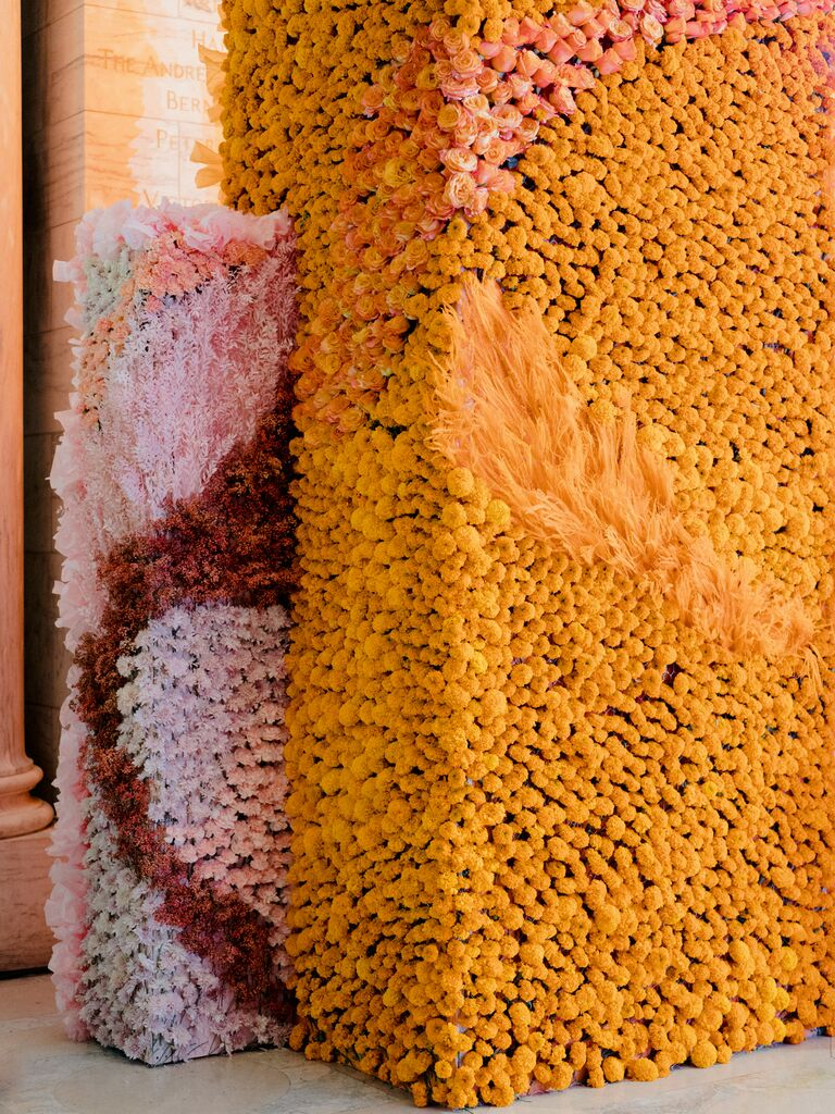 the knot gala flower columns