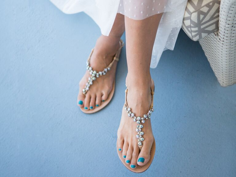 What shoes do i wear to my beach wedding bride wearing flat sandals junglespirit Choice Image