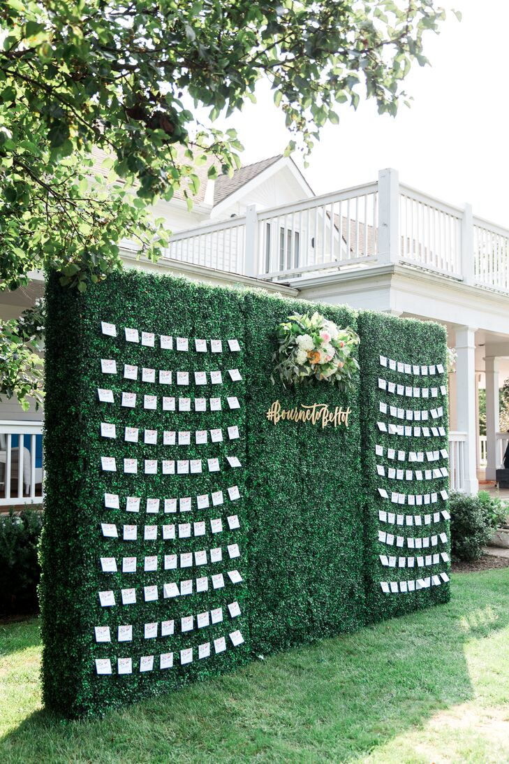 Boxwood Wall with Escort Card Display