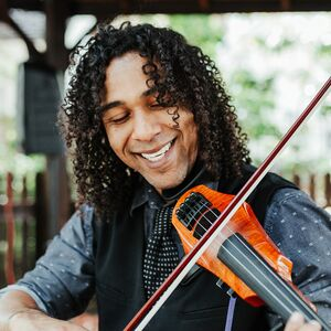 Tampa, FL Violinist | Chris Barbosa