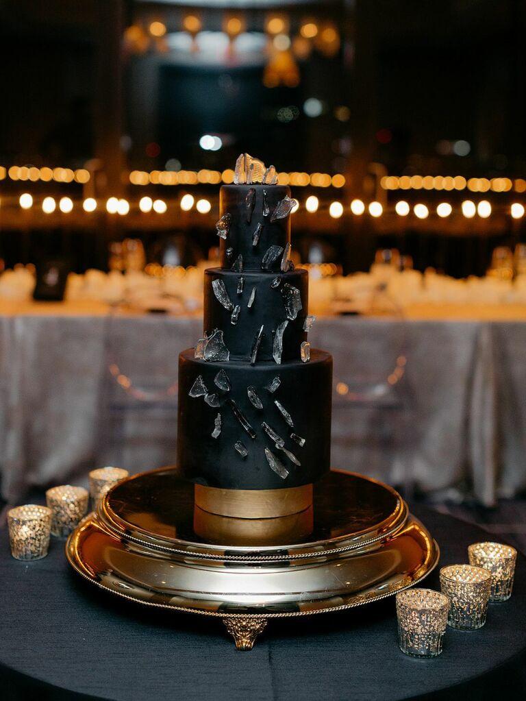 Fall wedding ideas black cake