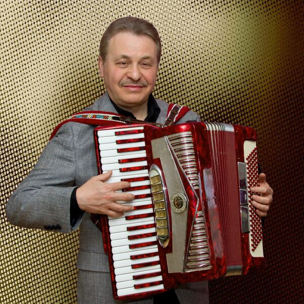 Val Sigal - Accordion music for any occasion - Polka Band - Milwaukee, WI