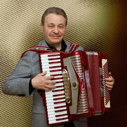 Milwaukee, WI Polka Band | Val Sigal - Accordion music for any occasion