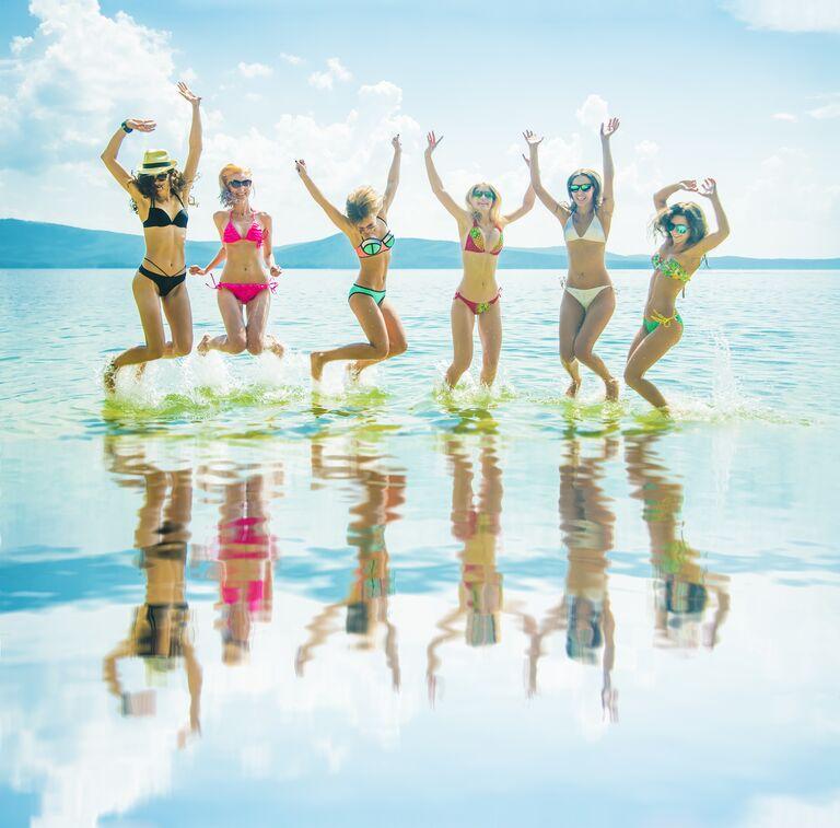 girls bachelorette beach expensive boat