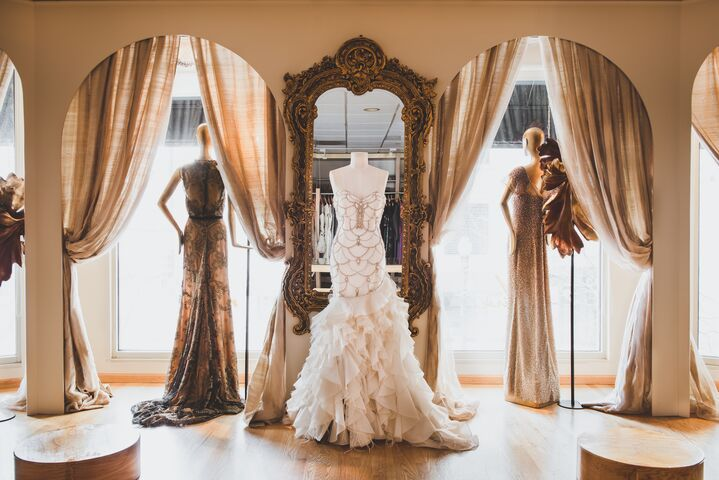 Mira couture chicago il for Wedding dress boutiques chicago