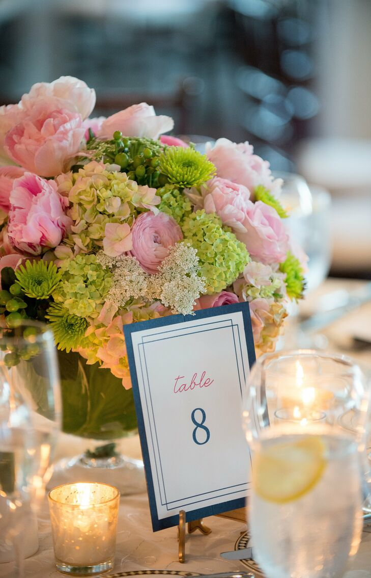 Marietta created the escort cards and table numbers herself, and did her best to match the style of the invitations and programs. The result was a stylish DIY project that tied in with the rest of the wedding stationery.