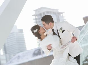 Mabel Maghirang (30 and a corporate financier) and Jeff Chan (32 and a financial recruiter) held their winter wedding on Valenti