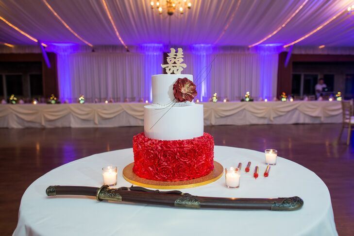A Chinese- and Filipino-Inspired Wedding Cake